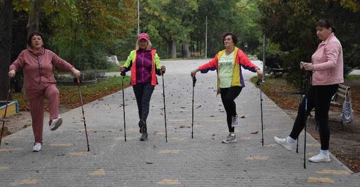Ходіть на здоров'я: у чому користь скандинавської ходьби?